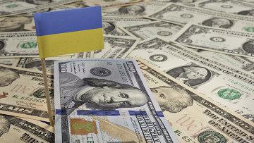 Украинский флаг и доллары