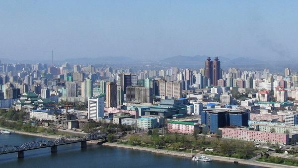 Вид на Пхеньян и отель Корё. Архивное фото