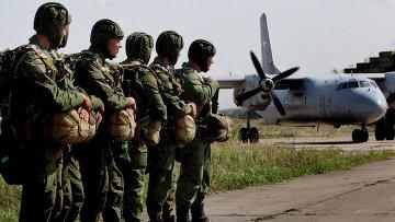Учения десантно-штурмовой бригады ВДВ, архивное  фото