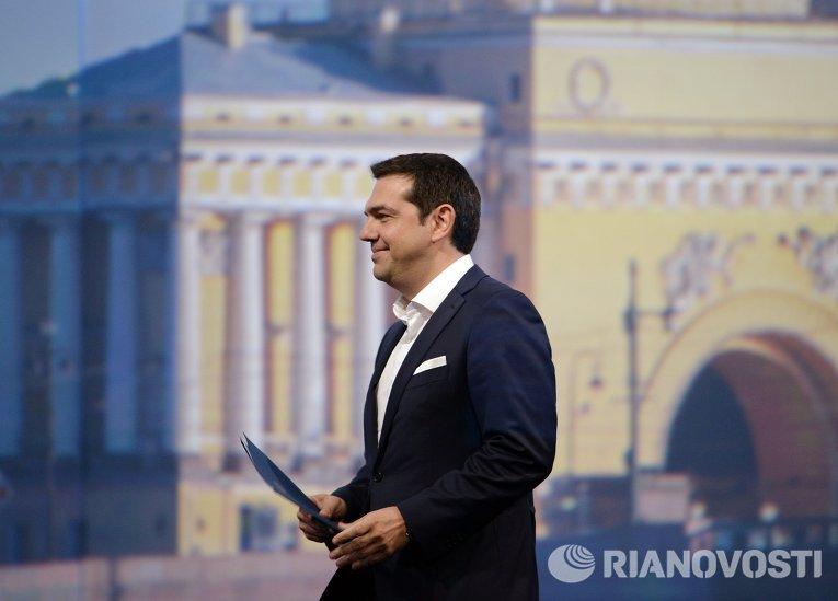 Премьер-министр Греции Алексис Ципрас на пленарном заседании в рамках XIX Петербургского экономического форума
