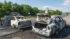 Сожженные полицейские  машина в Мукачево, Украина. Архивное фото