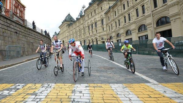 Участники велопробега. Архивное фото
