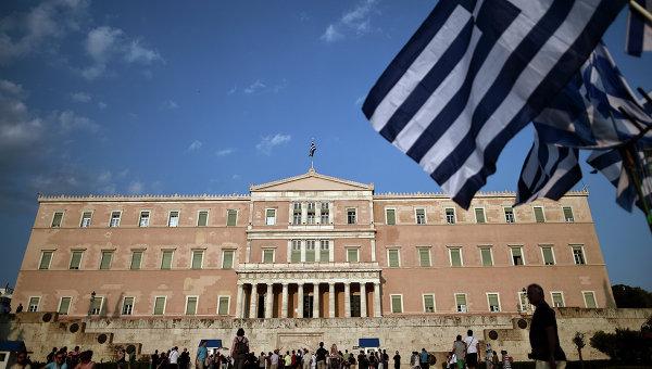 У здания парламента в Афинах, Греция. Архивное фото