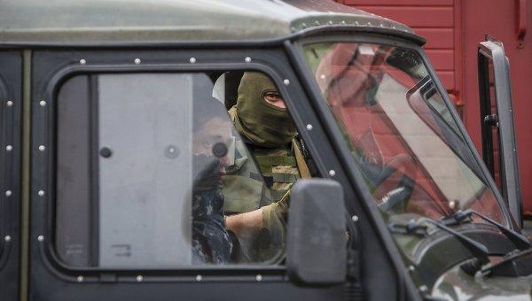 Сотрудники МВД Украины на месте перестрелки возле Мукачево