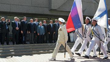 Визит делегации французских депутатов в Севастополь. Архивное фото