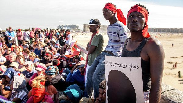 Мигранты возле французского города Кале