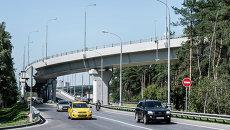 Движение транспорта по автомобильной развязке Волгоградского проспекта. Архивное фото