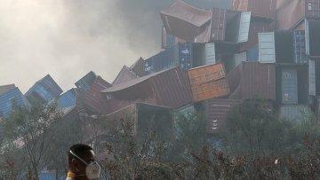 На месте взрывов на складе опасных веществ в промышленном городе Тяньцзине в Китае