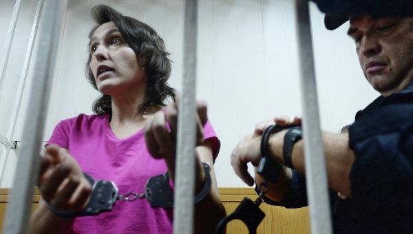 Виктория Павленко, обвиняемая в краже собаки-поводыря, в зале заседаний Гагаринского суда Москвы