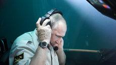 Путин из батискафа пообщался с Медведевым по радиосвязи со дна Черного моря