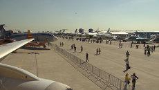 Открытие МАКС-2015: вертолет Ми-38, истребитель Су-35 и самолет Чирок