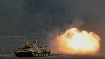 Танк Т-90А во время демонстрационных стрельб. Архивное фото
