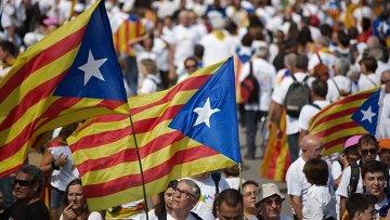 Флаги Каталонии. Архивное фото