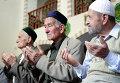 Коллективная молитва в мечети Кебир-джами в Симферополи