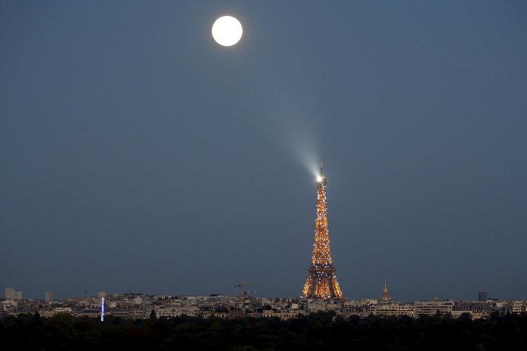 Земляне смогут увидеть наибольшую за70 лет Луну