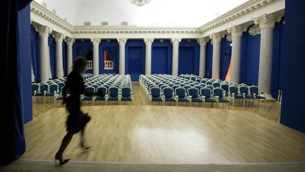 Сбор труппы Московского музыкального театра Геликон-опера