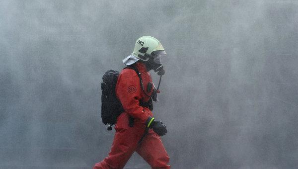 Пожарный, архивное фото