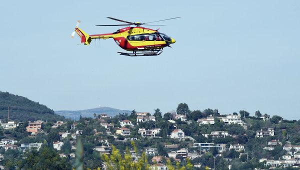 Вертолет службы спасения во Франции. Архивное фото