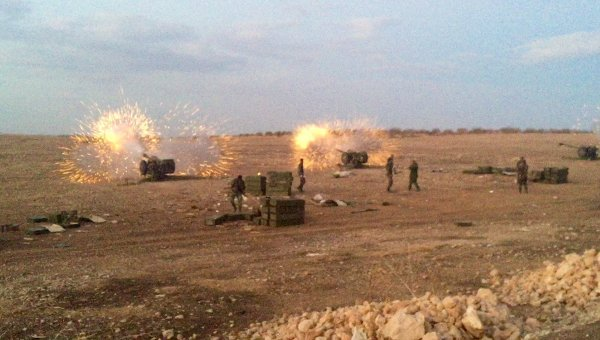 Сирийская артиллерия ведет огонь по террористам на севере провинции Хама