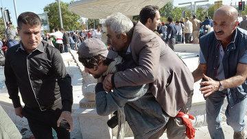 Помощь пострадавшим при взрыве в Анкаре, 10 октября 2015