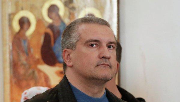 Благодатный огонь доставлен в Симферополь