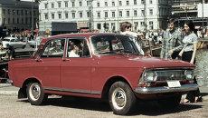 Автомобиль Москвич-412 на московской улице