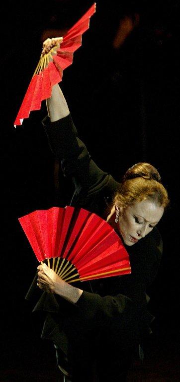 Балерина Майя Плисецкая выступает в театре Мадрида