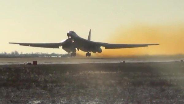Боевые пуски крылатых ракет по объектам ИГ в Сирии. Архивное фото