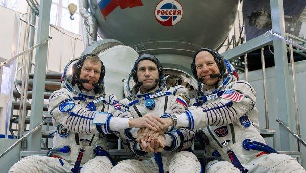 Тренировка экипажа МКС 46/47 экспедиции. Архивное фото