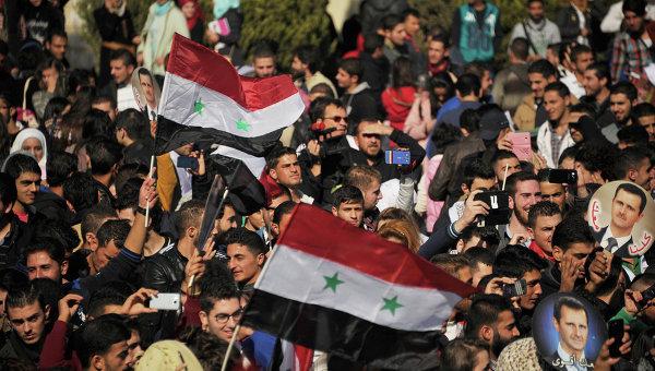 Митинг студентов университета Баас в поддержку действий российской авиации в Сирии прошел в городе Хомс