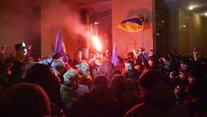 Беспорядки на Украине: погромы в Киеве и стычки у горсовета в Кривом Роге