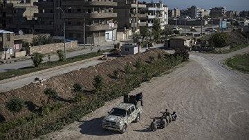 Бойцы ассирийских сил самообороны Соторо проходят подготовку в тренировочном центре в городе Камышли провинции Эль-Хасаке на северо-востоке Сирии