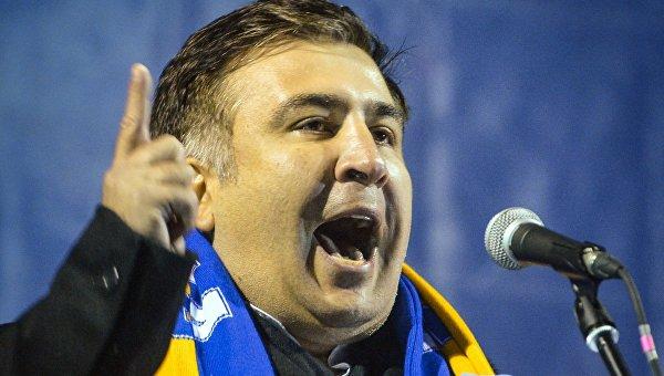 Экс-президент Грузии Михаил Саакашвили выступает на митинге евроинтеграции на площади Независимости в Киеве, Украина