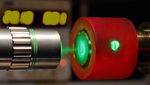 Алмазная наковальня и лазер помогли ученым открыть почти металлический водород