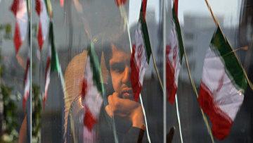 В годовщину исламской революции в Тегеране