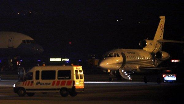 Самолет, перевозящий заключенных из Ирана и США, в аэропорту Женевы