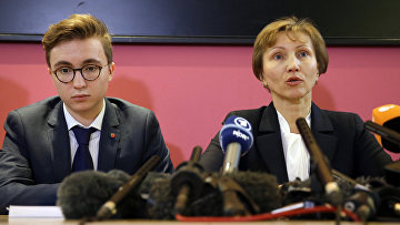 Анатолий и Марина Литвиненко во время пресс-конференции в Лондоне