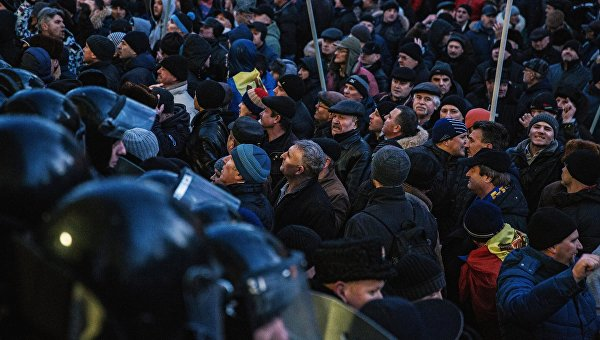 Акции протеста у здания Парламента в Кишиневе