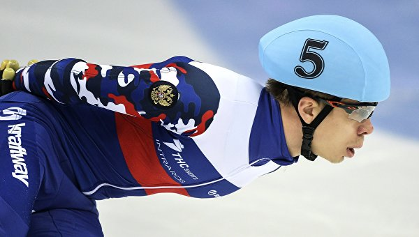 Семен Елистратов на чемпионате Европы по шорт-треку в Сочи