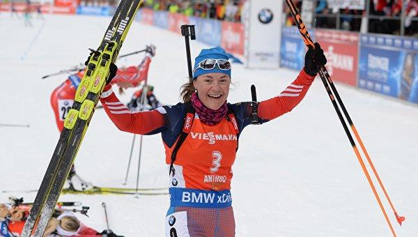 Екатерина Юрлова (Россия) после финиша в гонке преследования среди женщин на шестом этапе Кубка мира по биатлону сезона 2015/16 в итальянской Антхольц-Антерсельве.