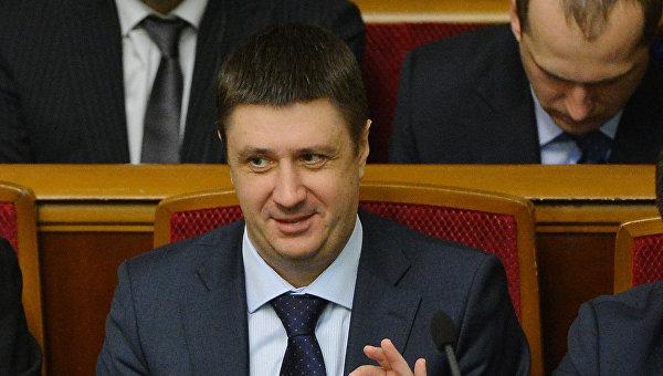 Вице-премьер-министр - министр культуры Украины Вячеслав Кириленко (справа)