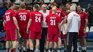Тренер мужской сборной команды России по гандболу Дмитрий Торгованов, архивное фото