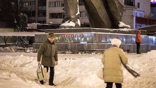 Неизвестные повредили монумент Воину-Освободителю в Харькове