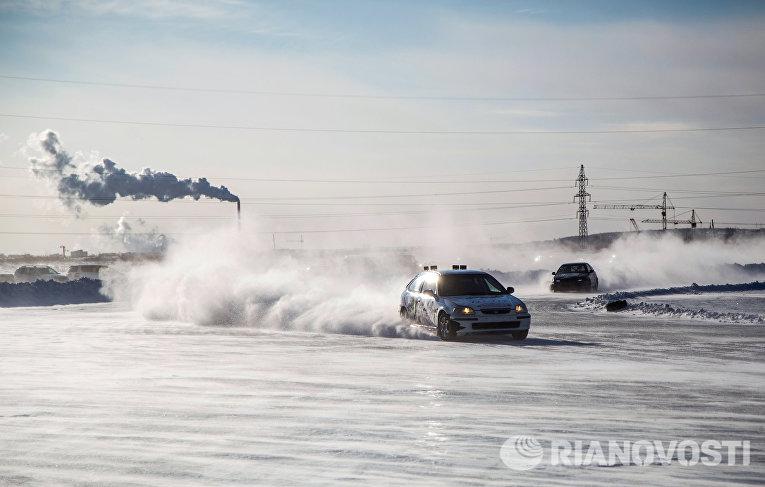 Чемпионат по ледовым автогонкам в Амурской области