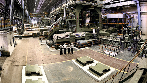 В одном из цехов Бхилайского металлургического завода. Архивное фото
