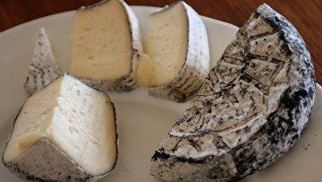 Производство сыров в Алтайском крае. Архивное фото