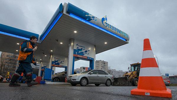 Работа заправочной станции Газпромнефть. Архивное фото