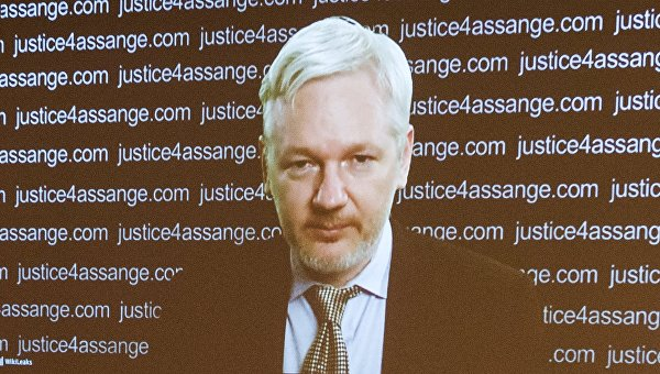 Джулиан Ассанж принял участие в пресс-конференции по видеосвязи из посольства Эквадора в Лондоне