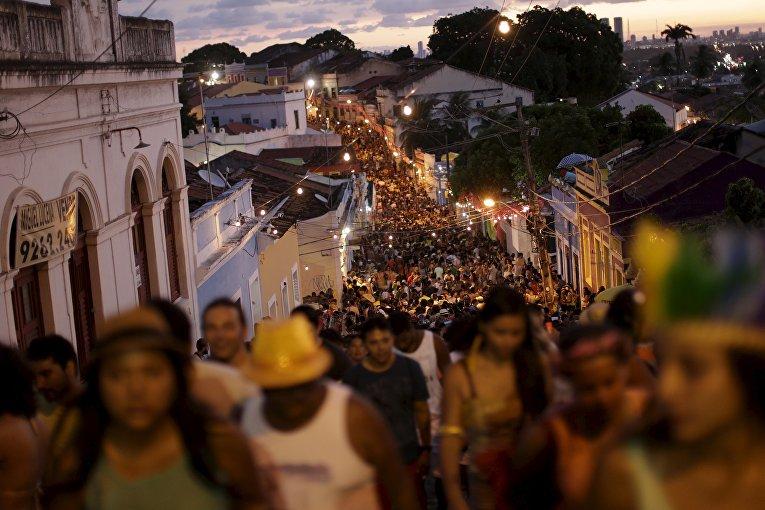 самый развратный карнавал в мире без вирусов