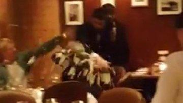 В интернете появилось видео с метанием торта в Касьянова
